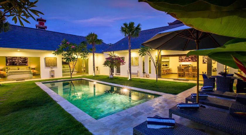 Badung Villa Gendut Indonesia, Asia