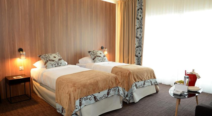best price on le forges hotel in forges les eaux reviews. Black Bedroom Furniture Sets. Home Design Ideas