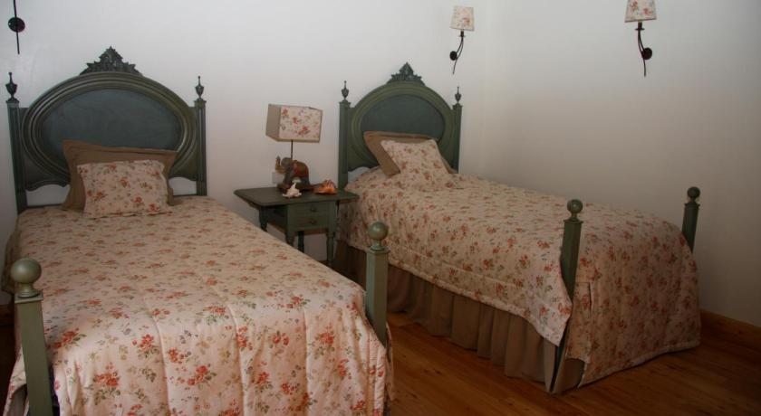 Quinta dos Castanheiros Bed and Breakfast