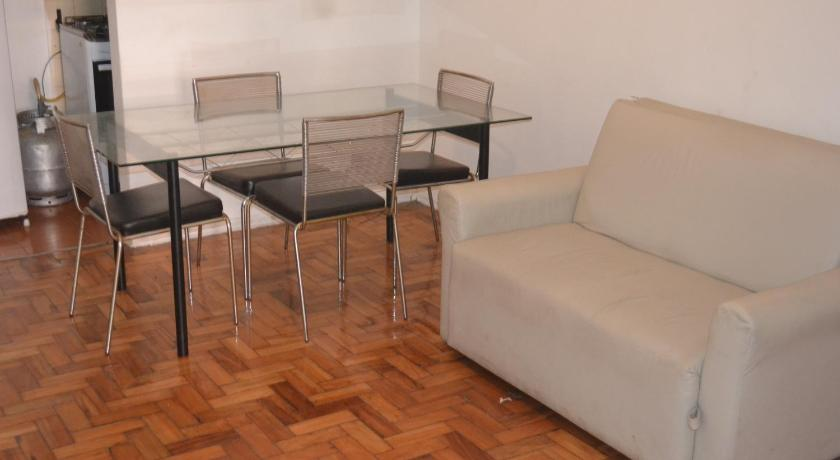 Charming one bedroom Copacabana apartment, excellent location & cost benefit