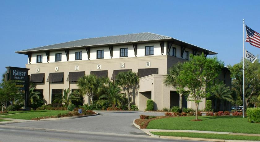 Lobby Crystal Shores East & West by Wyndham Vacation Rentals