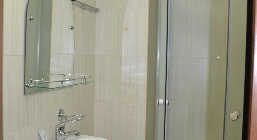 Economy Single Room - Bathroom Hotel Chayka