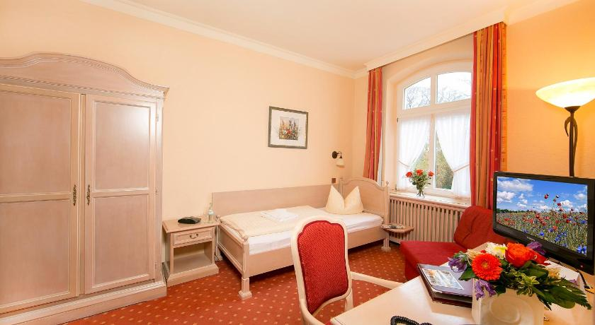 Single Room - Guestroom Hotel Dünenschloß