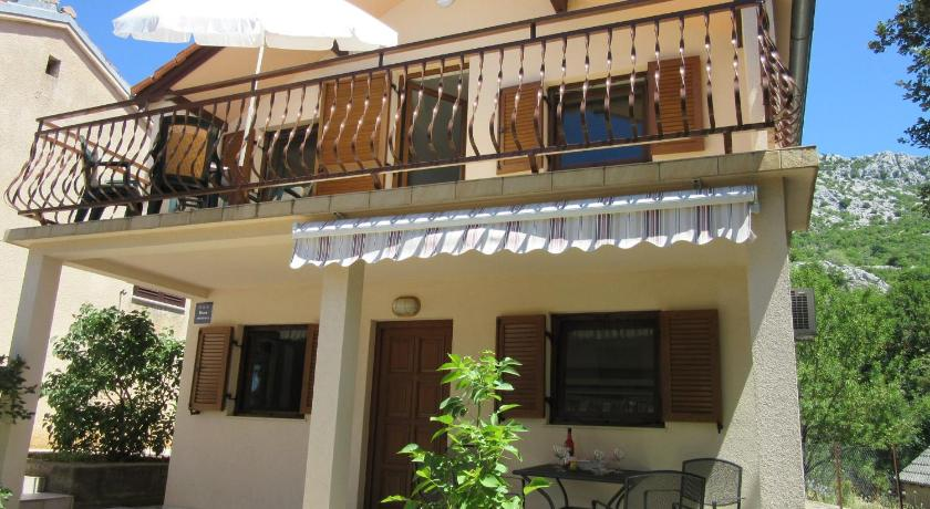 See all 24 photos One-Bedroom Apartment in Karlobag I