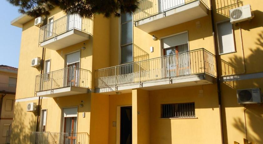 Apartments in Rosolina Mare 24930