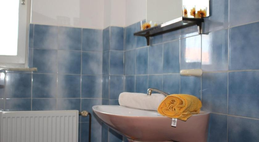 Bathroom Apartment Porec, Istria 18