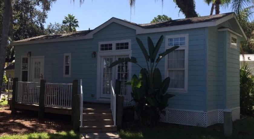 Tropical Palms Elite Two-Bedroom Cottage 109