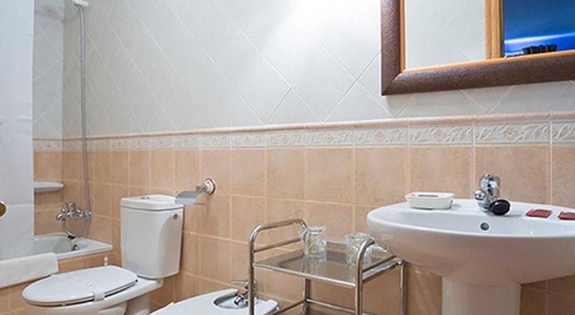 Hotel Alvaro Avenida Selgas, s/n Cudillero