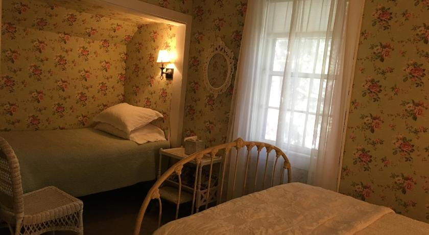 Quarto Standard triplo - Cama The Madison House Bed and Breakfast