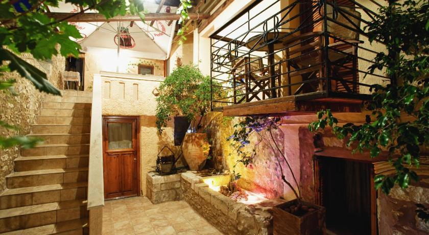 Barbara Studios 14 Dambergi Str Rethymno