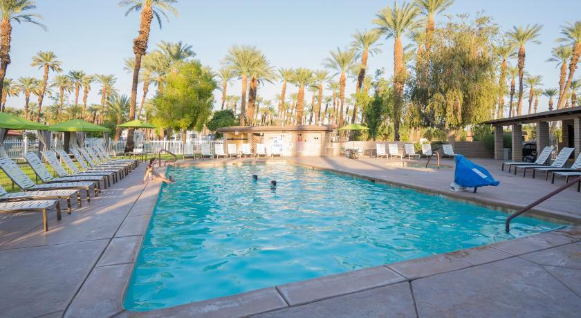 One-Bedroom Cottage - Swimming pool Palm Springs Camping Resort Cottage 1