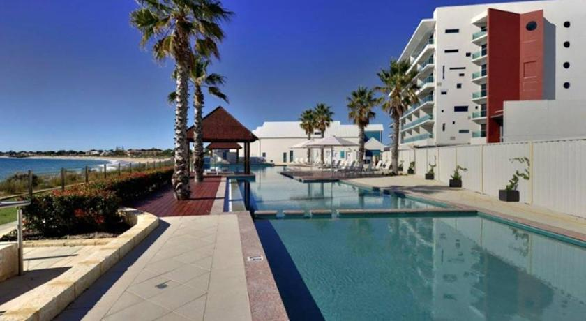 One-Bedroom Apartment - Swimming pool Sea Side 110