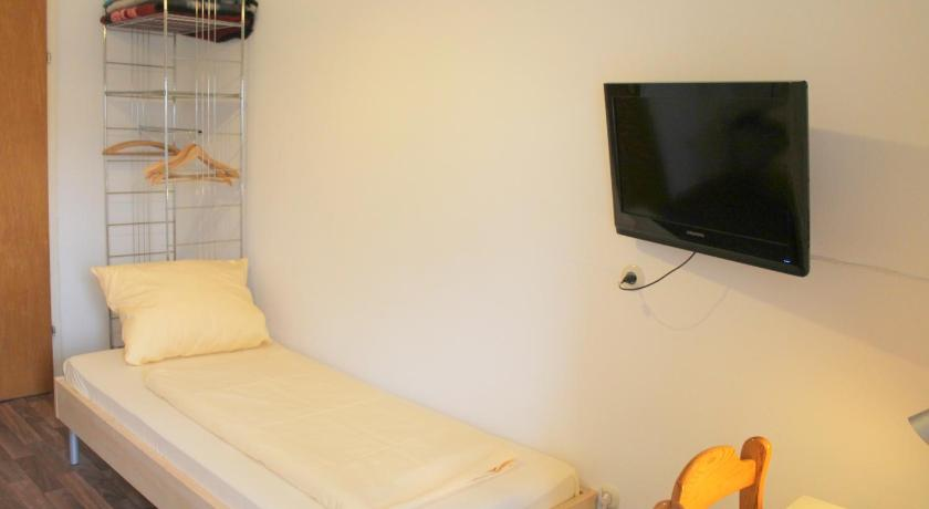 Single Room with Shared Bathroom - Guestroom Hotel Schemmer