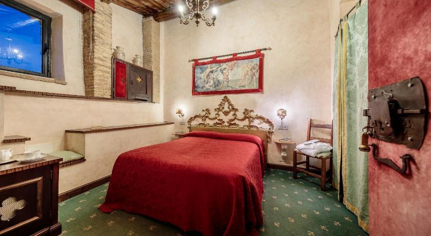 Guestroom Castello Orsini Hotel