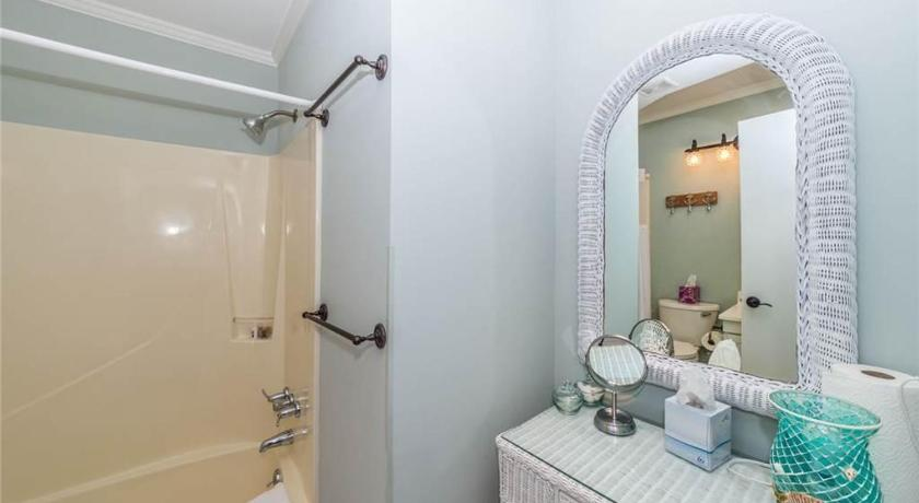 Bathroom Beach & Tennis - One Bedroom Condo - A346