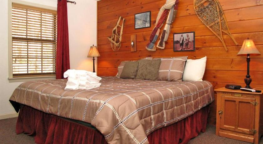 Four-Bedroom House - Guestroom Adventure Lodge - Four Bedroom Home