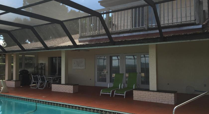 Swimming pool Angel's Vacation Rentals - Longboat Key