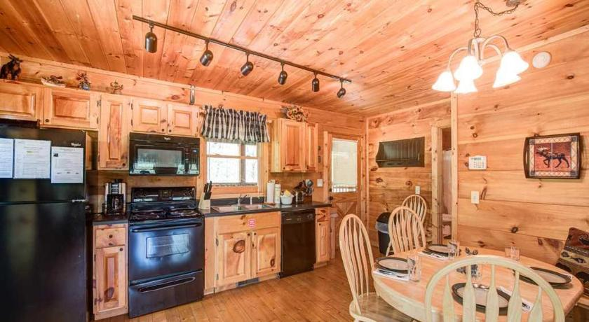 Lazy Moose Lodge - Two Bedroom Home