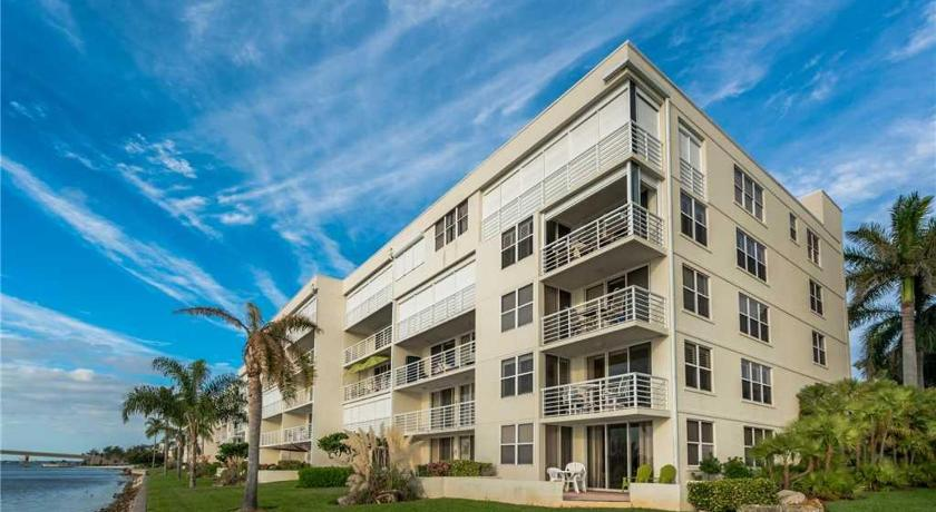 Bahia Vista - Two Bedroom Condo - 14-259