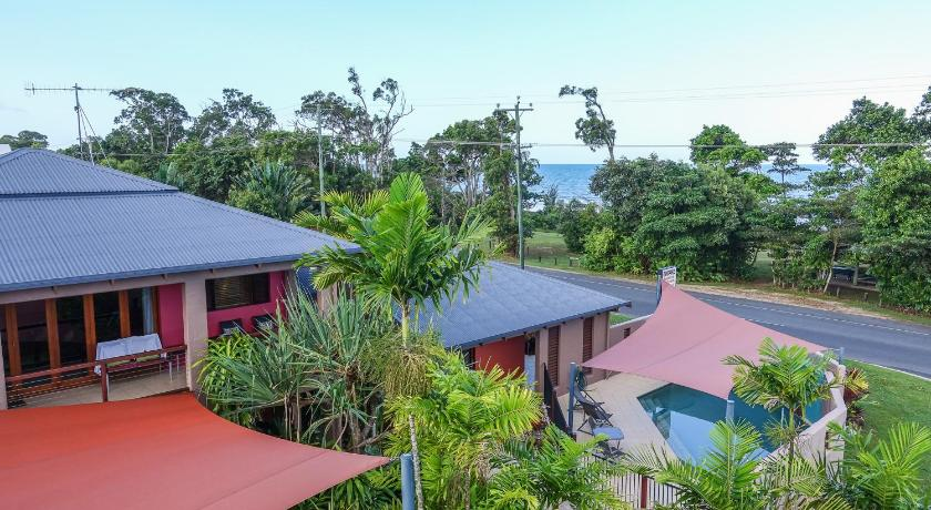 More about Pandanus Holiday Apartments