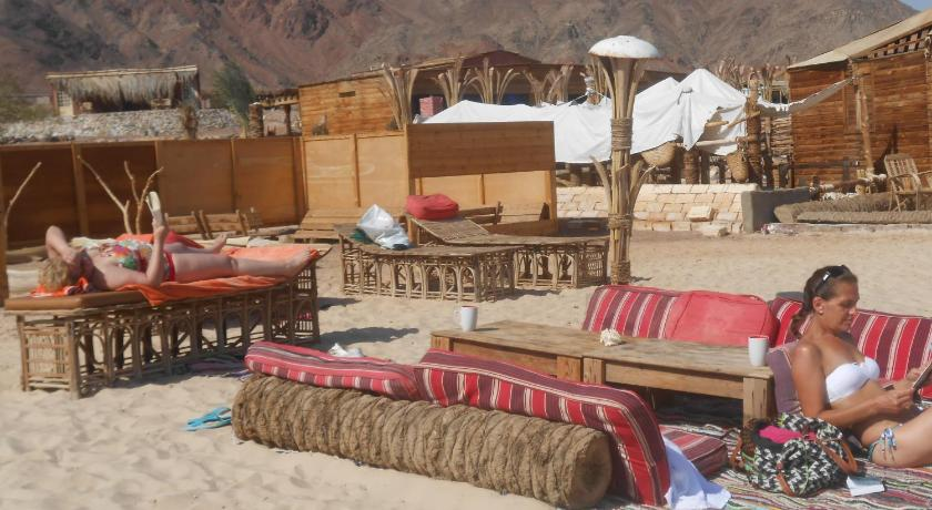 شاطئ Bella Sina Beach Lodge