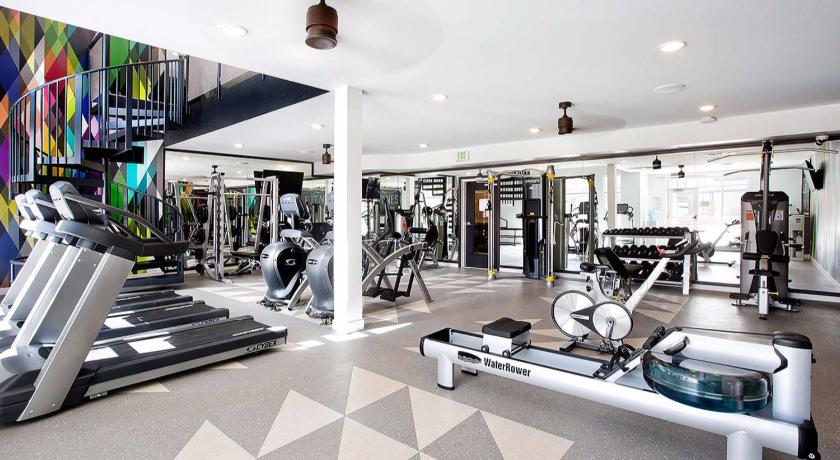 Fitness center 2 BR Luxury Apt Close to Zoo and Downtown - BS06