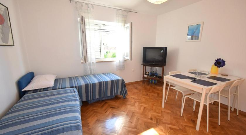 One-Bedroom Apartment - Separate living room Apartment Magdica