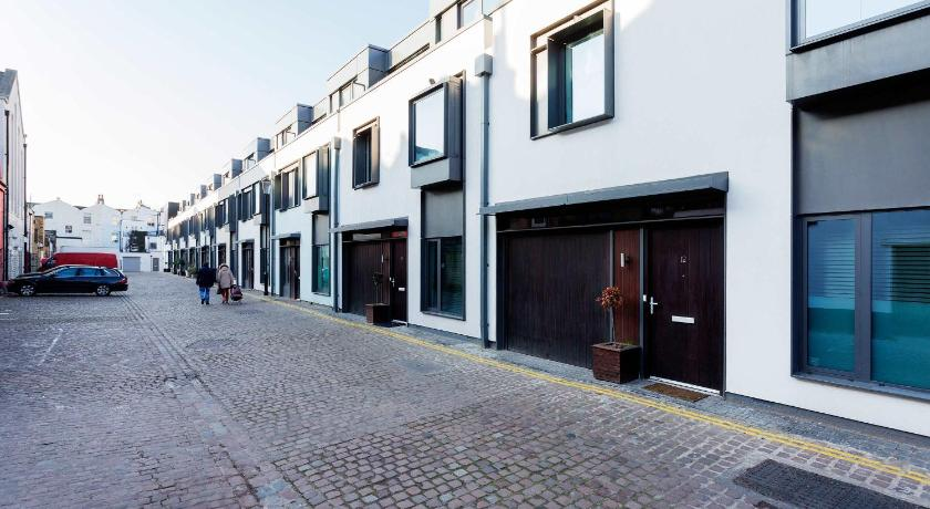 Informasi lengkap Veeve - Munro Mews, 3 bed by Notting Hill