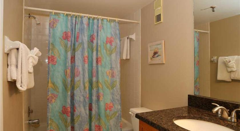 See all 24 photos Beach Place - Three-Bedroom Apartment - 408