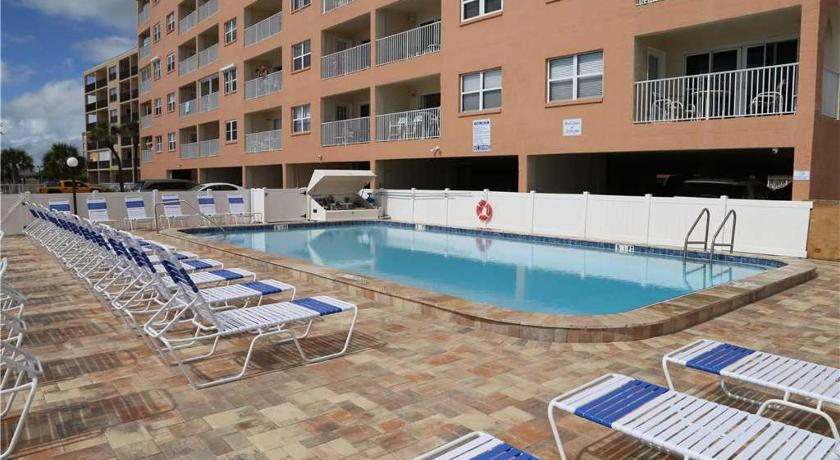 Beach Place - Two Bedroom Apartment - 403