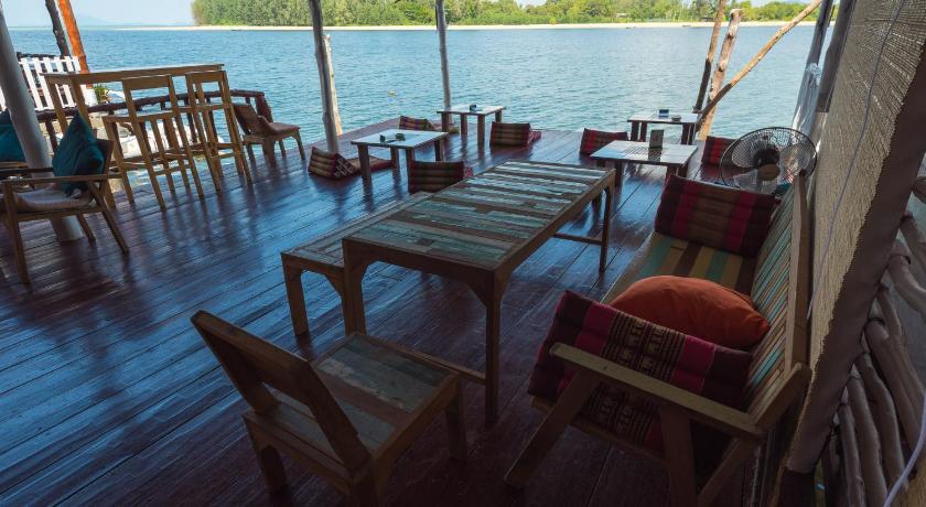 Sincere Hostel Bar & Bistro - Koh Lanta