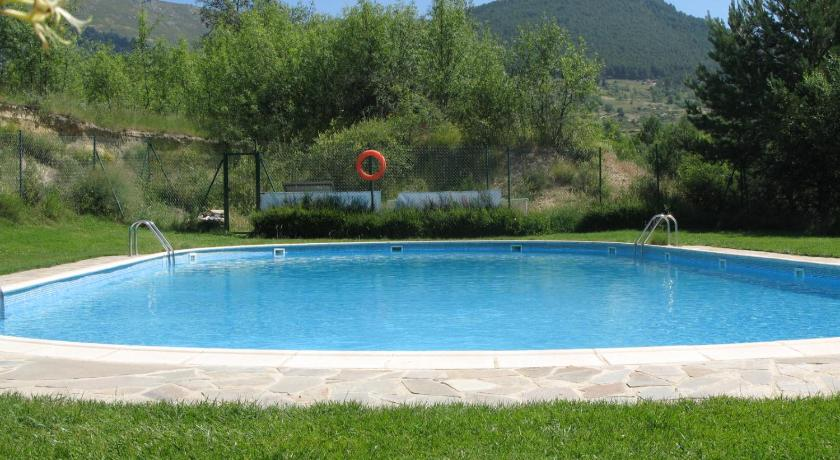 Swimming pool Albergue Valle de los Abedules