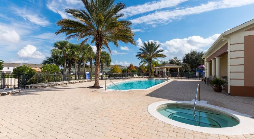 Piscina Large 4BR villa in Coral Cay resort