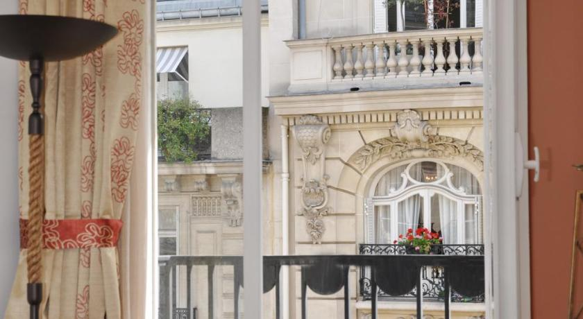 champs elysees executive apartment | book online | bed & breakfast