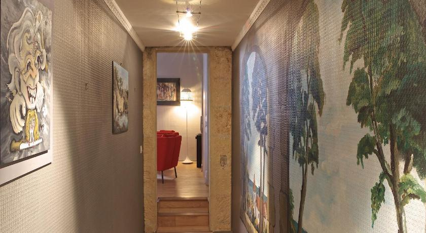 One-Bedroom Apartment Chartres