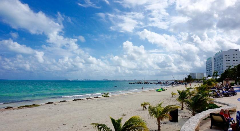 Ocean View Apartment near Isla Mujeres