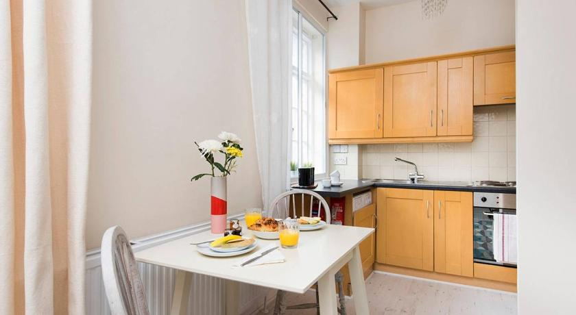 Korter 1 Bed Apartment Fairchild Place