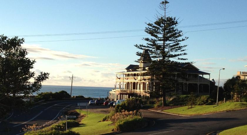 Grand Pacific Hotel   Australia Hotels Great Ocean Road - Lorne