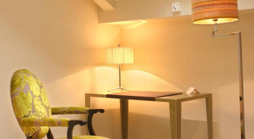 hoteles con encanto en granada  450