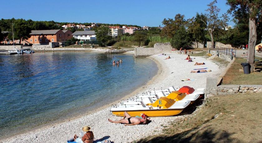 Beach Apartment Pula 7665c