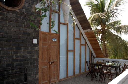 Waters Resorts Khobra Vaddo, Near Subway Restaurant, Next to Milky Way Calangute