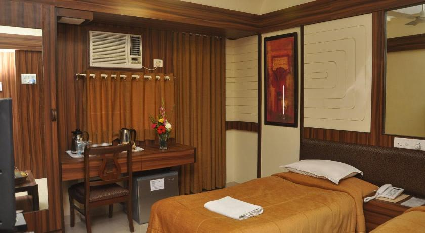 Double or Twin Room - Guestroom Hotel in Bandra West Mumbai