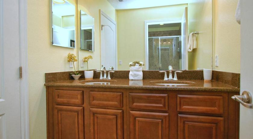 Bagno 8963 Majesty Palm Road Holiday Home