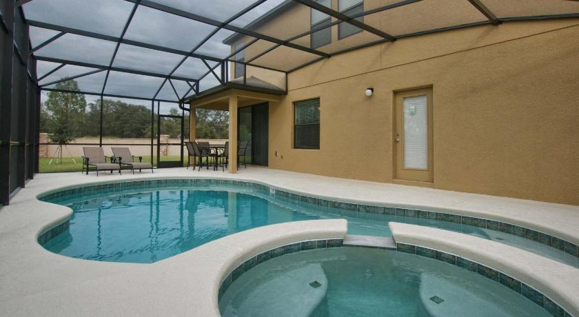 1313 Cypress Pointe Blvd Pool Home