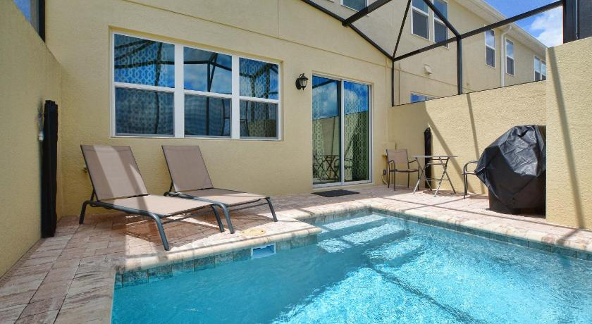 3197 Tocoa Circle Pool Home