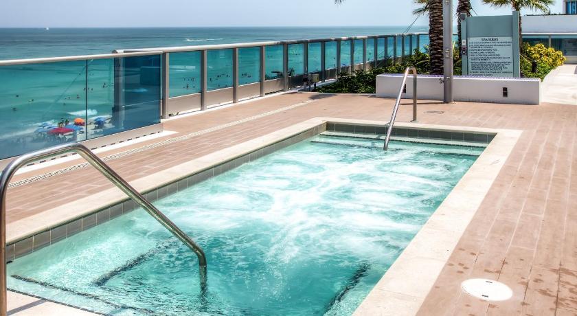Churchill Suites Monte Carlo Miami Beach 6551 Collins Avenue