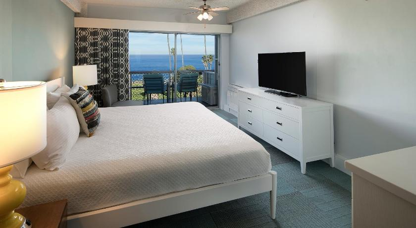 See all 25 photos La Jolla Cove Suites