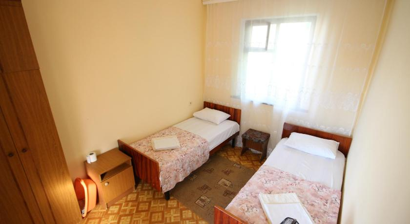 Economy Twin Room KorMal Guest House