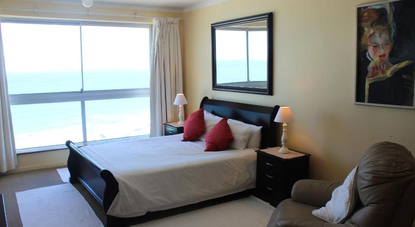 7 Views Self Catering Beachfront Apartment
