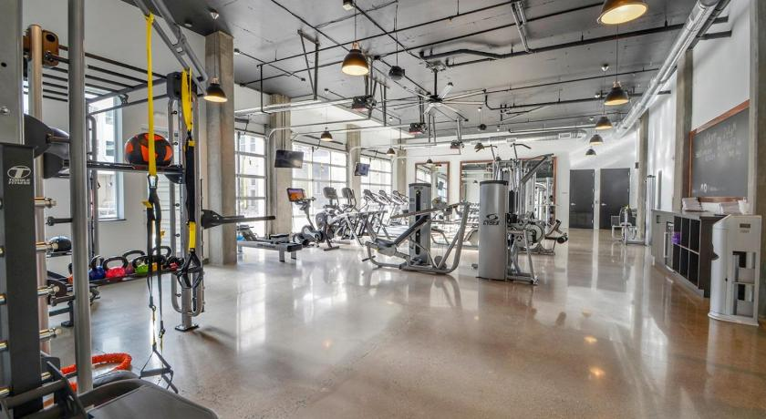 Fitness center Luxury 2BR Apt in Trendy Art District Near Downtown - DR09